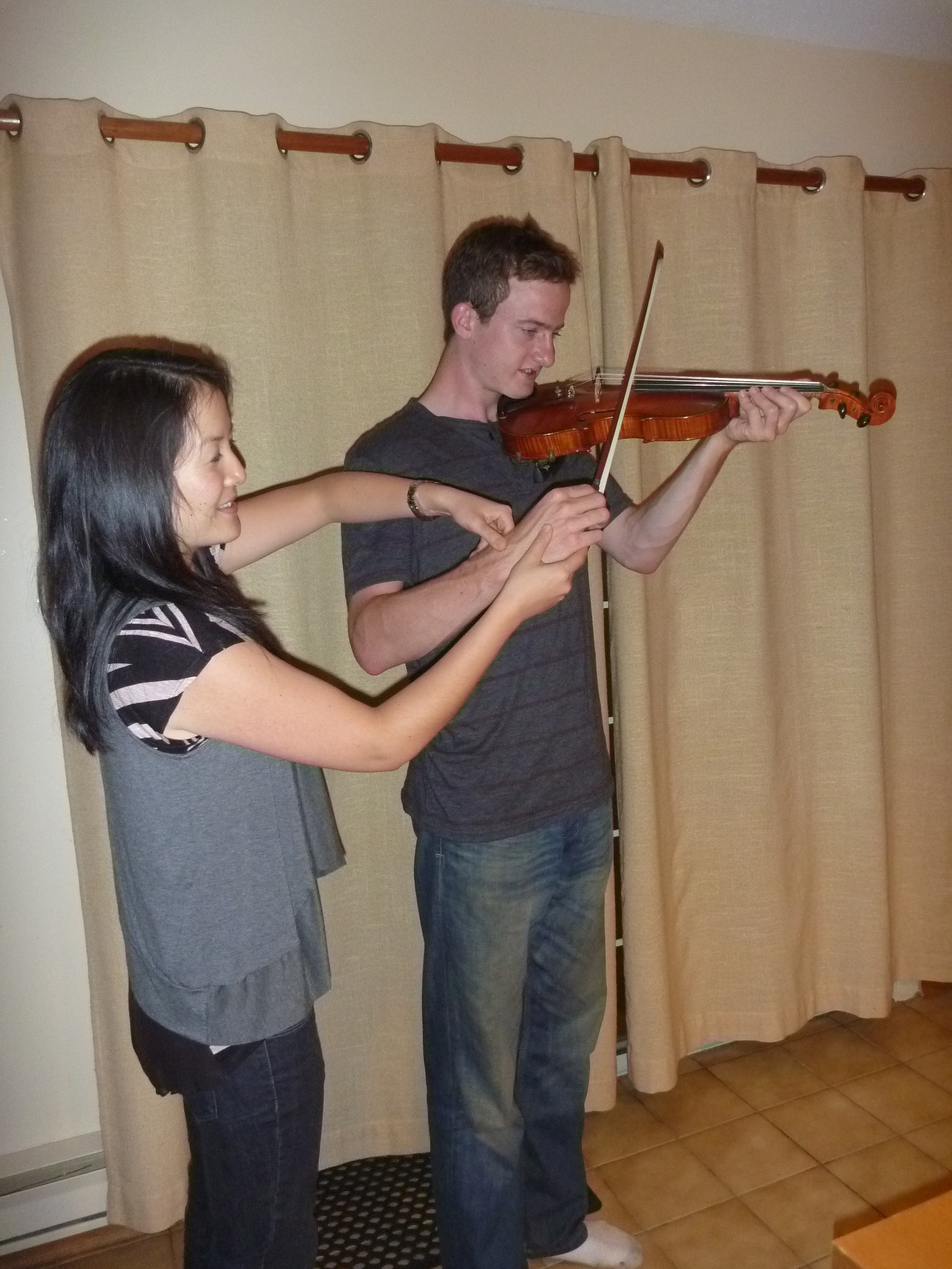 Top Six Violin Postures That Cause Pain and Violin Injuries